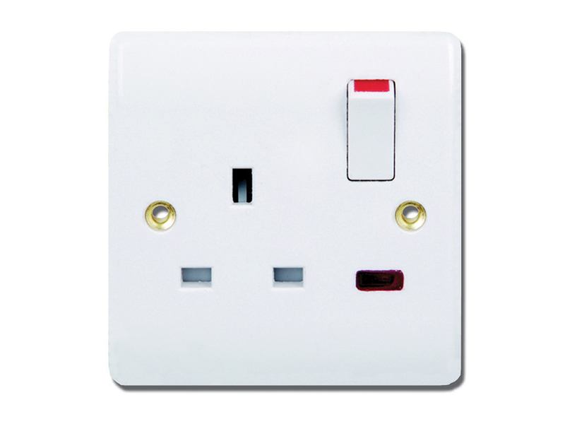 1 Gang Switched Socket Outlet & Neon
